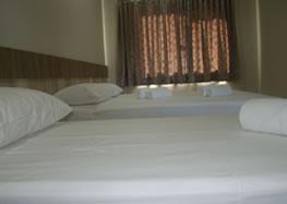 Quarto Casal e Solteiro - Master Hotel
